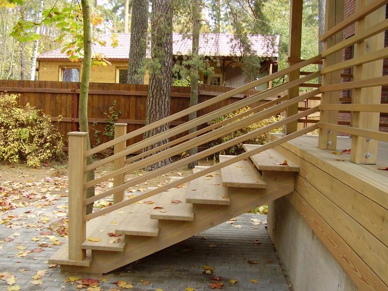 Как сделать лестницу на улицу